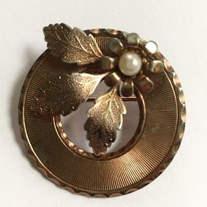 Jewelry - Vintage Copper Circle Brooch with Pearl